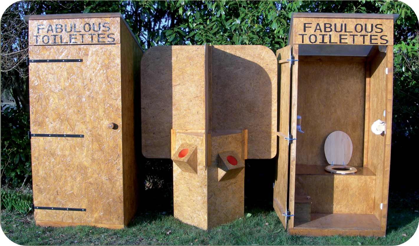 Location toilettes s ches 44 fabulous toilettes for Construction toilette seche exterieur