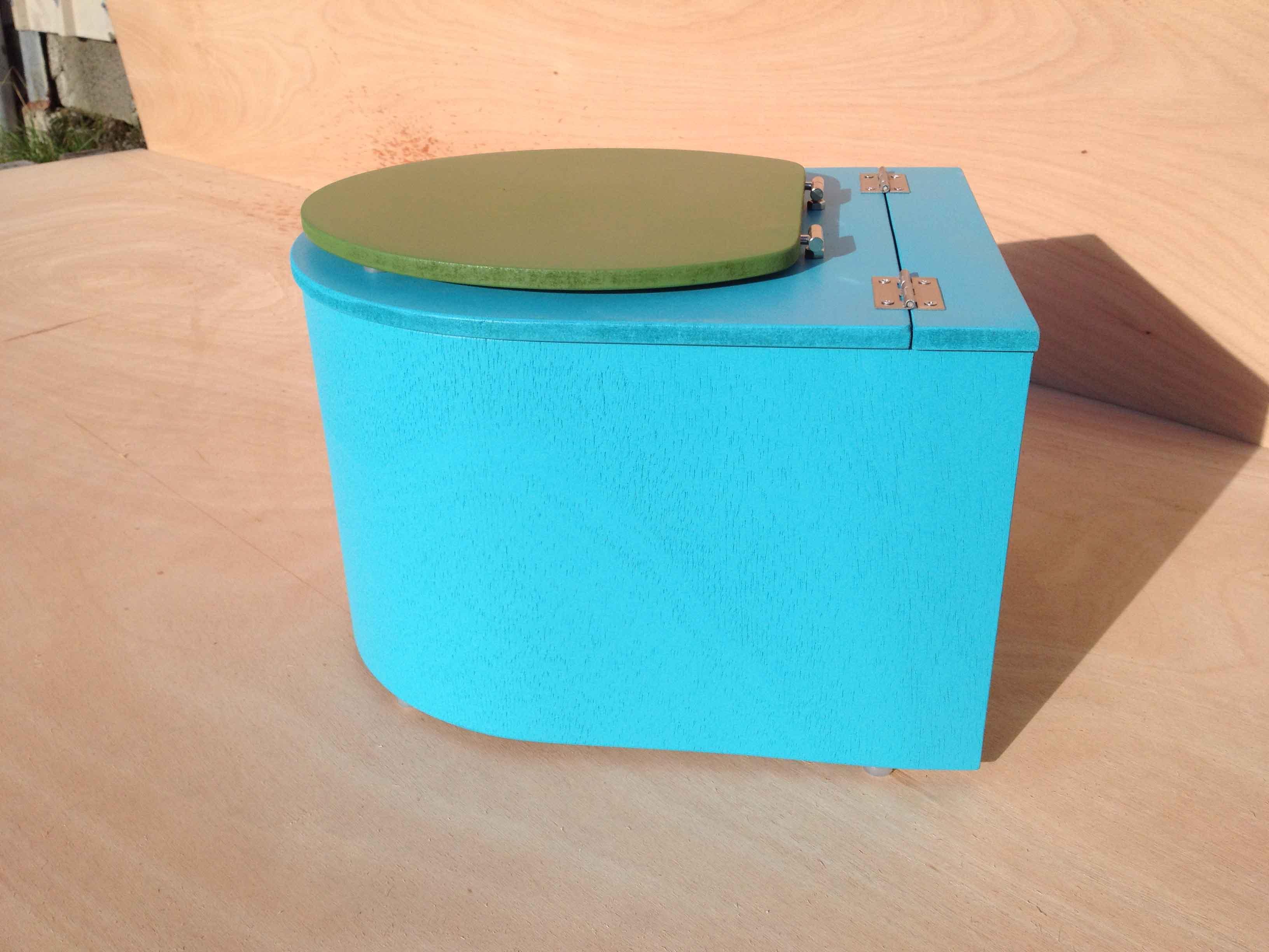 mini toilette seche bleu