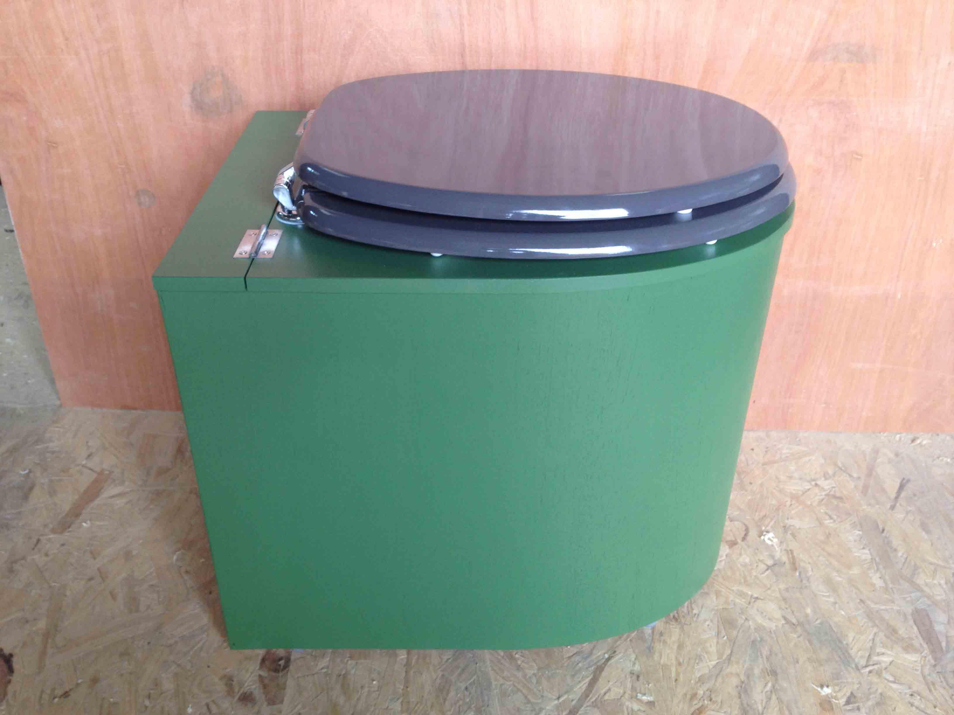 Toilettes sèches design vert et gris