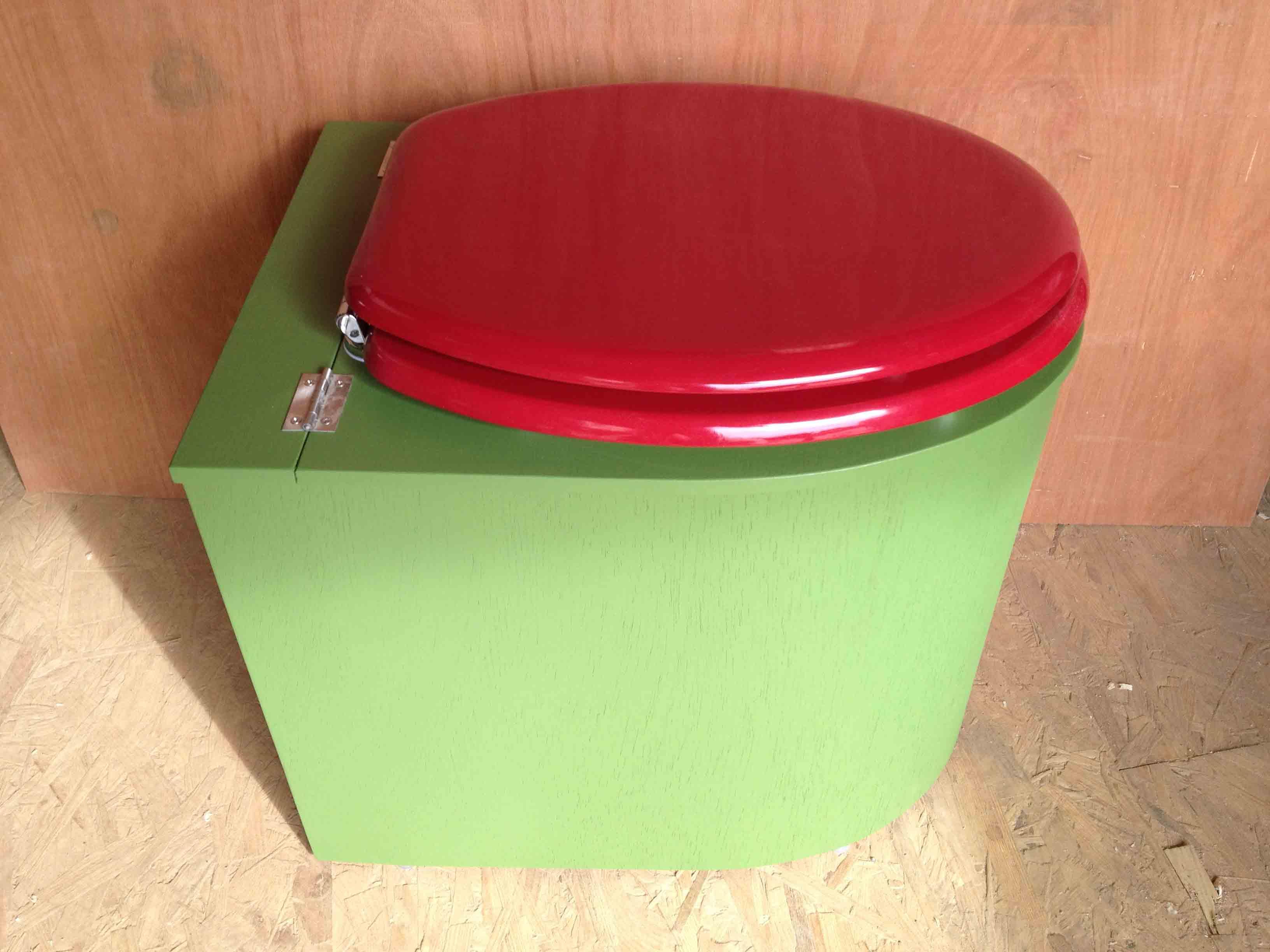 Toilettes sèches design vert