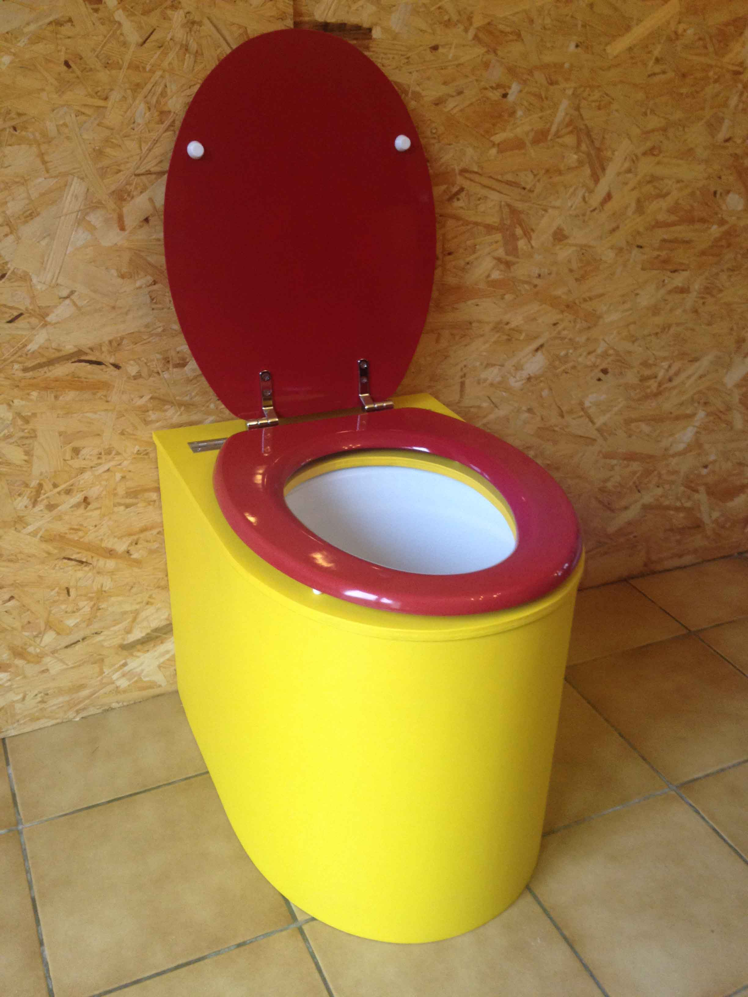 Toilette sèche en appartement jaune