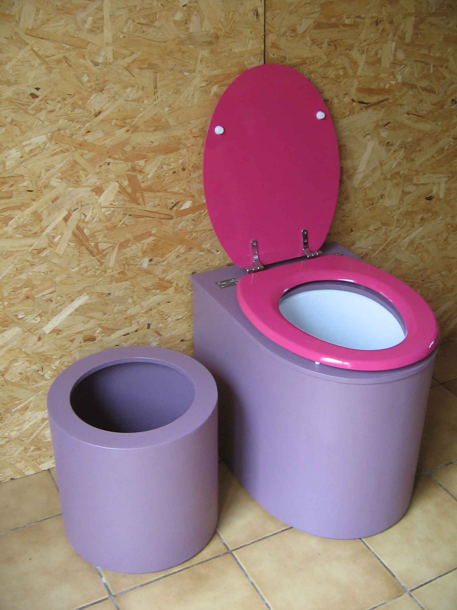 Toilette sèche en appartement violette