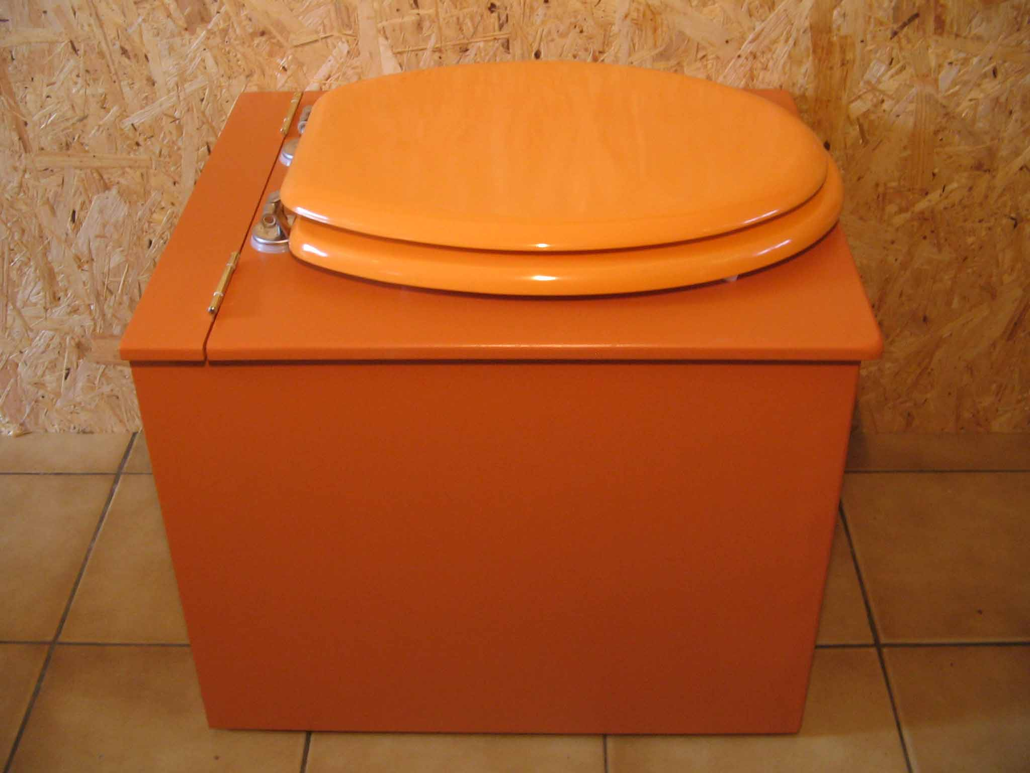 toilettes sèches originales orange