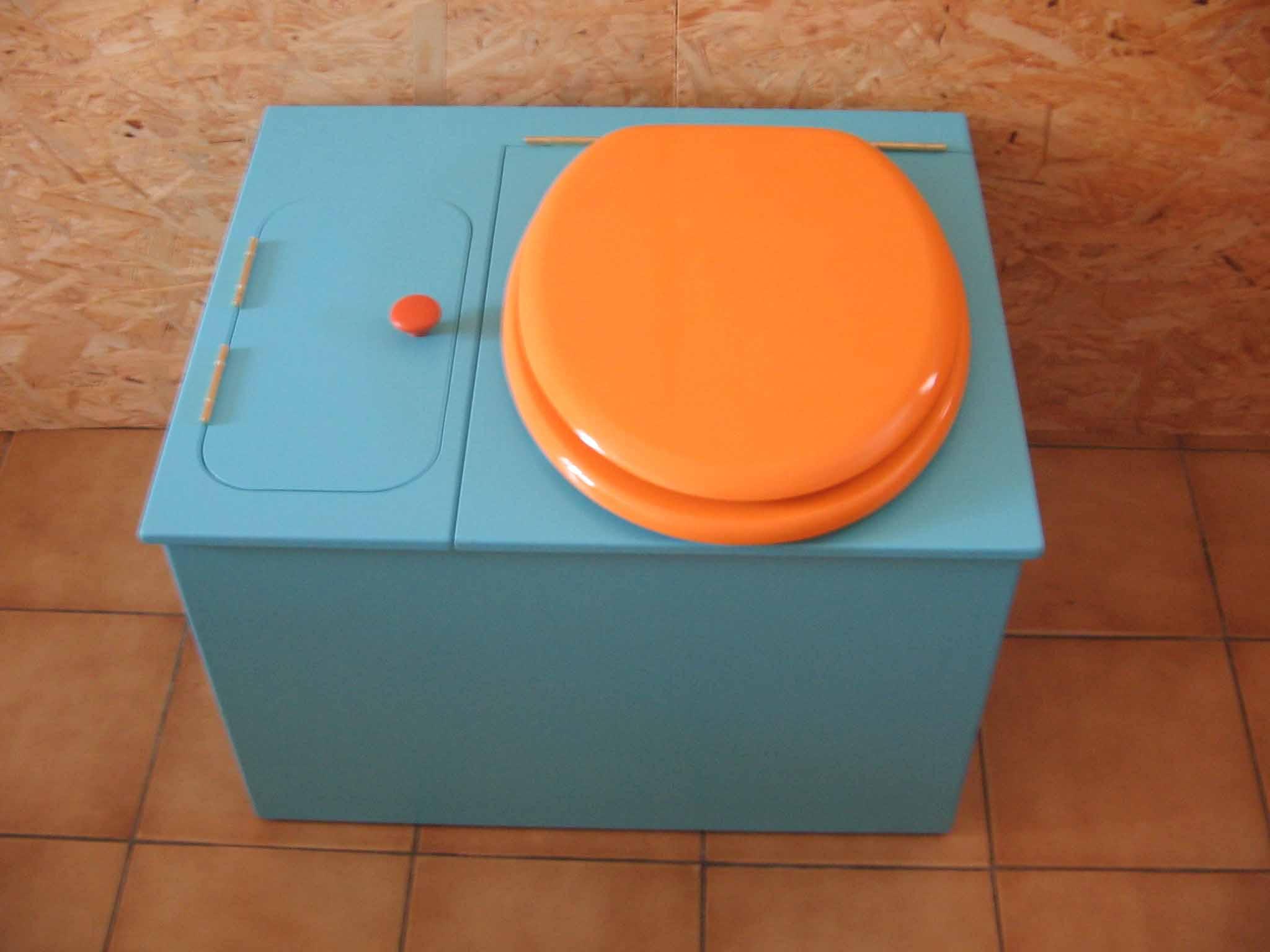 wc ecologique bleu